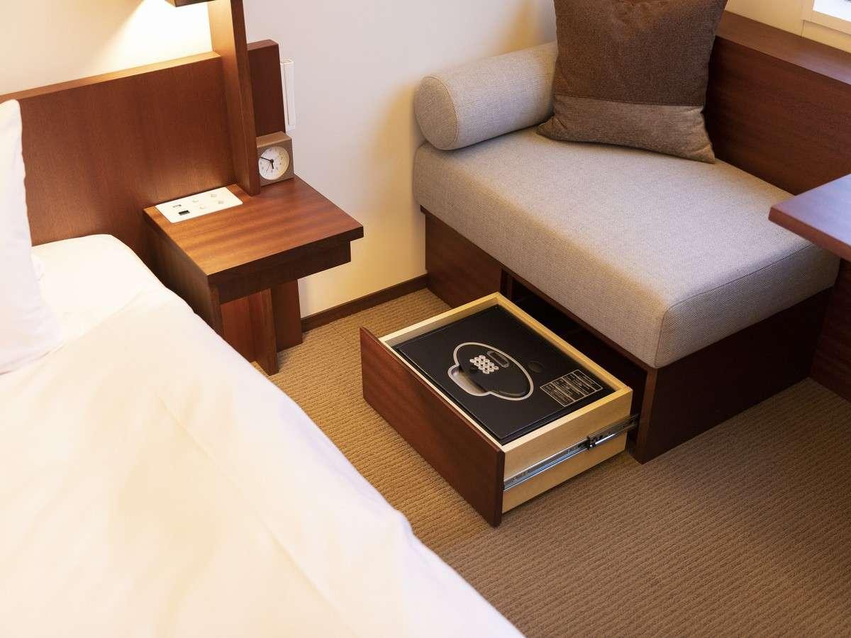 【客室】セーフティボックス全室完備