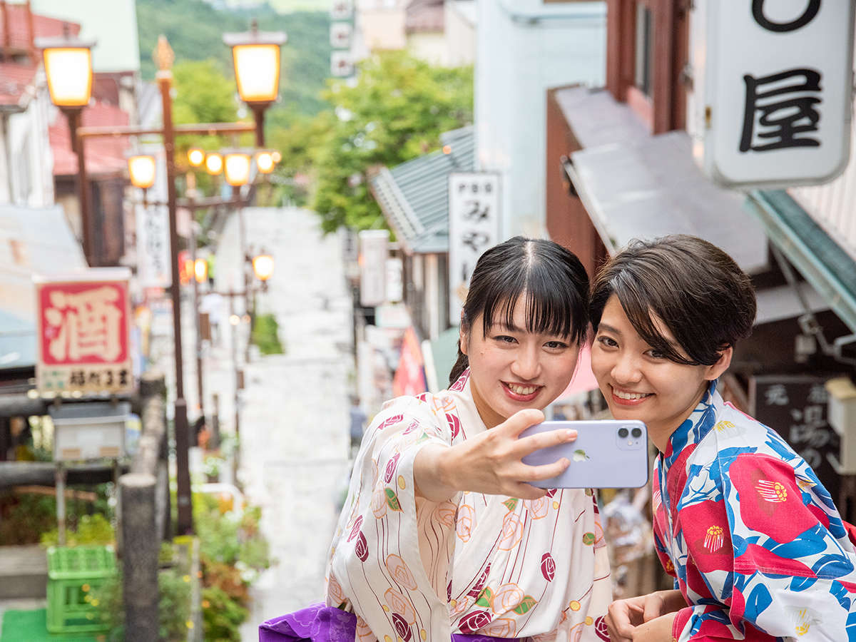 *【周辺散策】色浴衣で石段街を散策