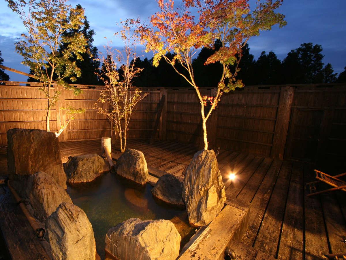 【ロフト付き客室】大自然に囲まれ解放感溢れる露天風呂