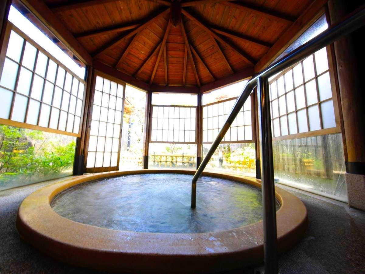 天橋立の成相温泉で癒される2つのお風呂です。男女別のお風呂をご用意しており、朝夕で入れ替えています