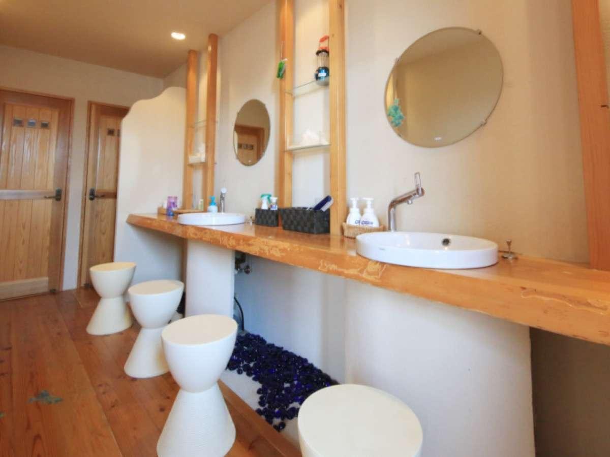 トイレや洗面台は共有。共有だからこそ快適に使って頂けたらと思い、清潔を保つよう努めています