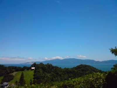 お庭からの見える瀬戸内海と小豆島。