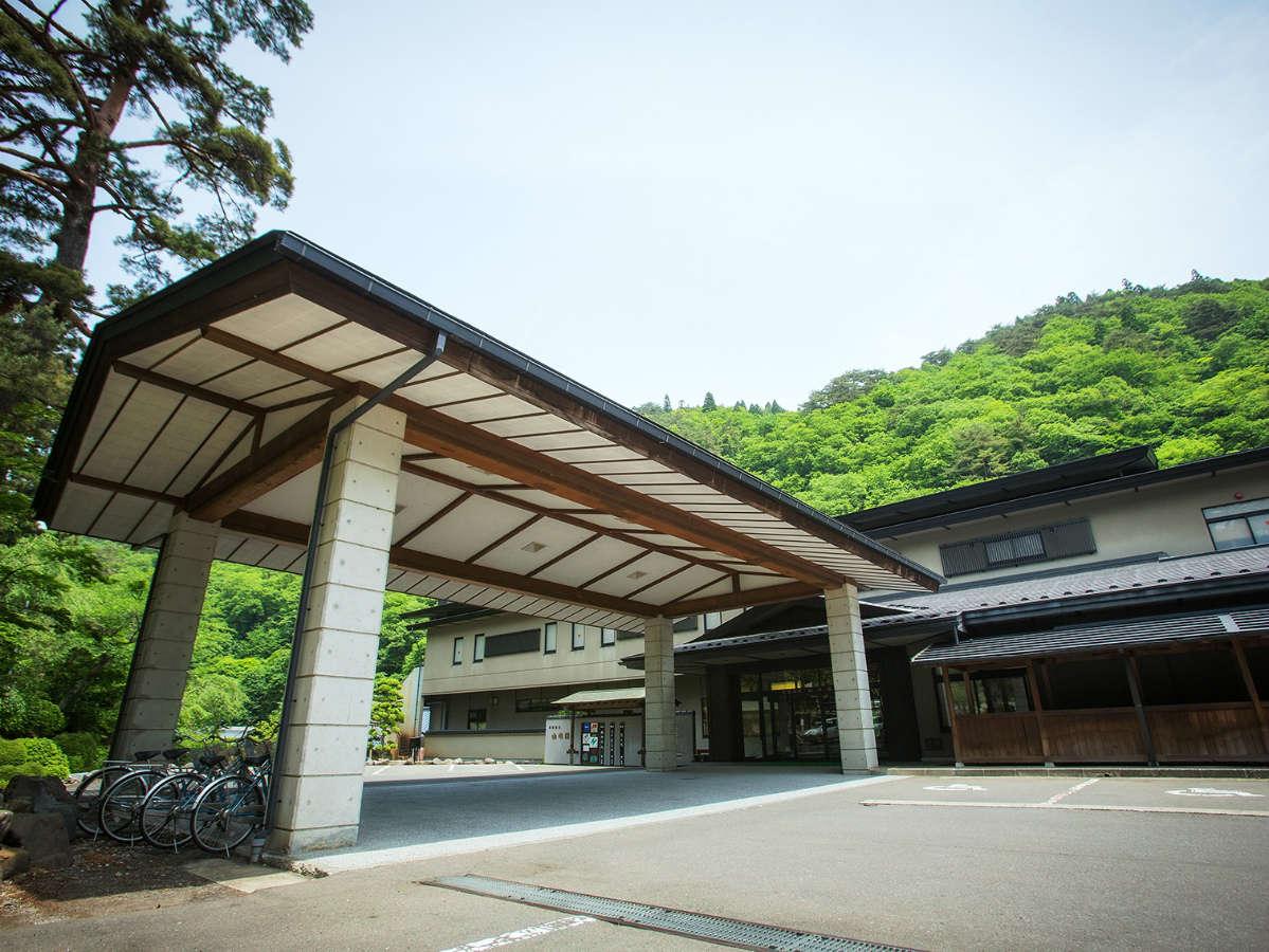 山水閣 玄関