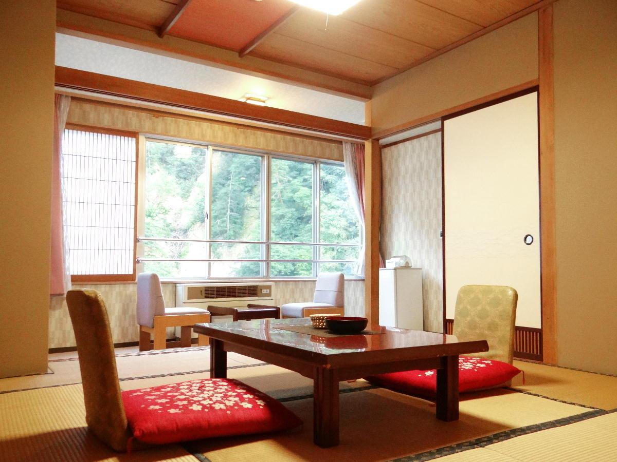 【スタンダード客室 一例】ご宿泊人数に合わせて、お部屋をご用意させていただきます。