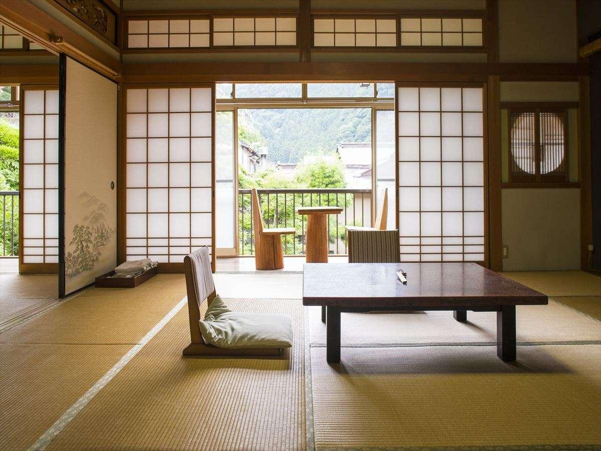 庭園に面した部屋、温泉街通りに面した部屋など様々は和室が。