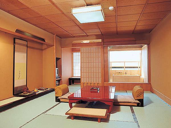 露天風呂付客室 『秋桜』一例※10畳のお部屋に温泉露天風呂付きです。