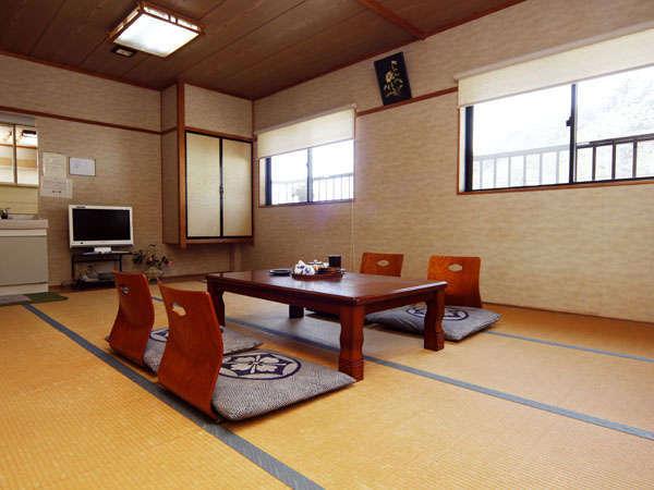ちょっとひろびろ!12畳和室のお部屋です!ファミリーやグループに!