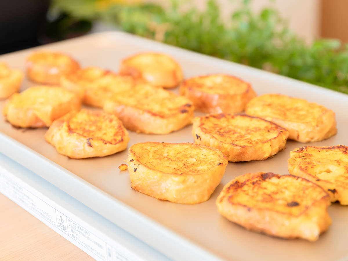 焼き立てフレンチトーストは特製紅芋バターとの相性は抜群