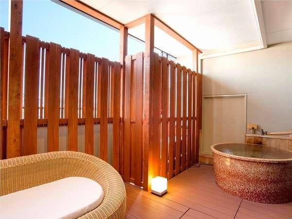 全客室露天風呂付、伊勢市街地初の天然温泉をごゆっくりとお楽しみください。。
