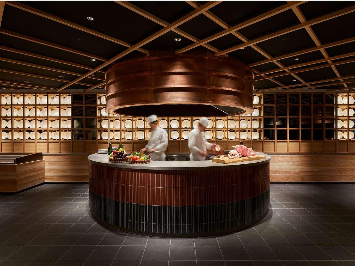 【八百万ダイニング】九州の恵み盛り沢山のレストラン