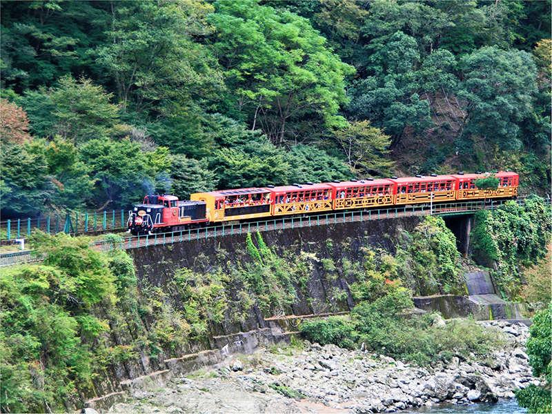 嵯峨野トロッコ列車(電車で約40分)
