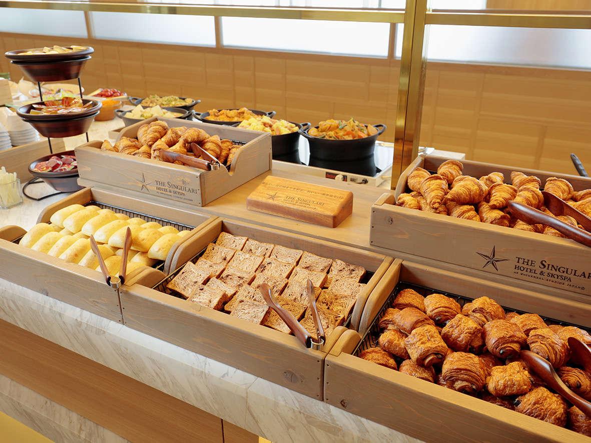 朝食イメージ(焼き立てパン)