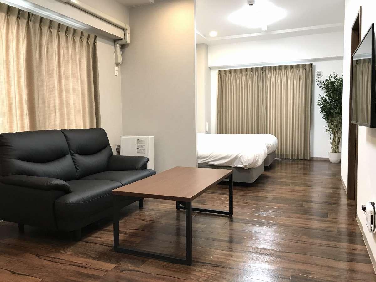 ツインタイプのお部屋。お部屋によってはレイアウトが違う場合が有ります。予めご了承くださいませ。