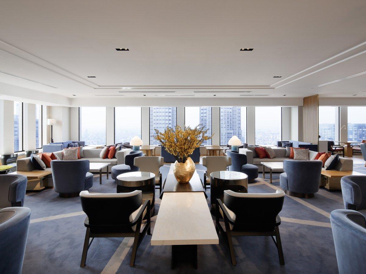 本館45階クラブラウンジでは、地上160メートルからの眺めをお楽しみいただけます。