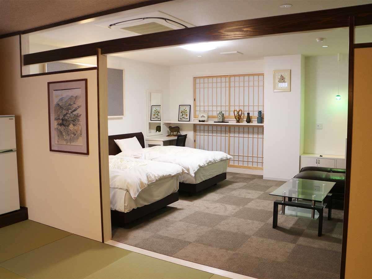 特別和洋室23平米の洋室と7.5畳の和室になります