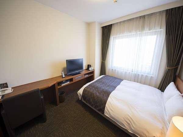 ◆ダブルベッドルーム (16平米 ベッド幅130×205センチ)