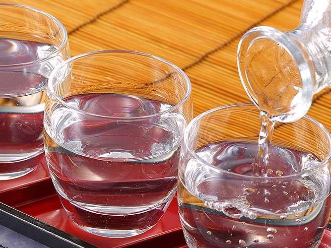 """会津の地酒で""""利き酒""""をおたのしみください"""