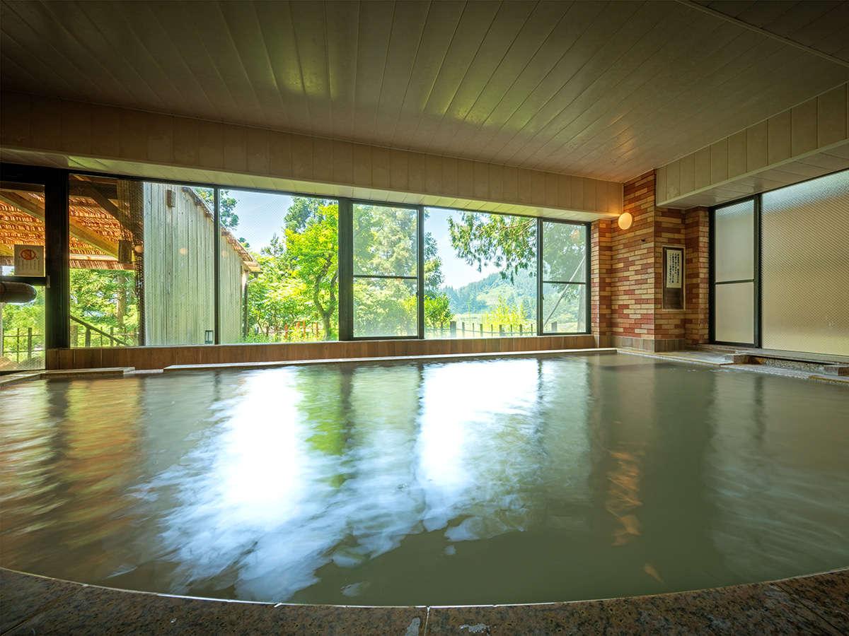 【大浴場「ひめさゆり」】喜多方のレンガをイメージした洒落た風情の「ひめさゆり」はモダンな趣です。