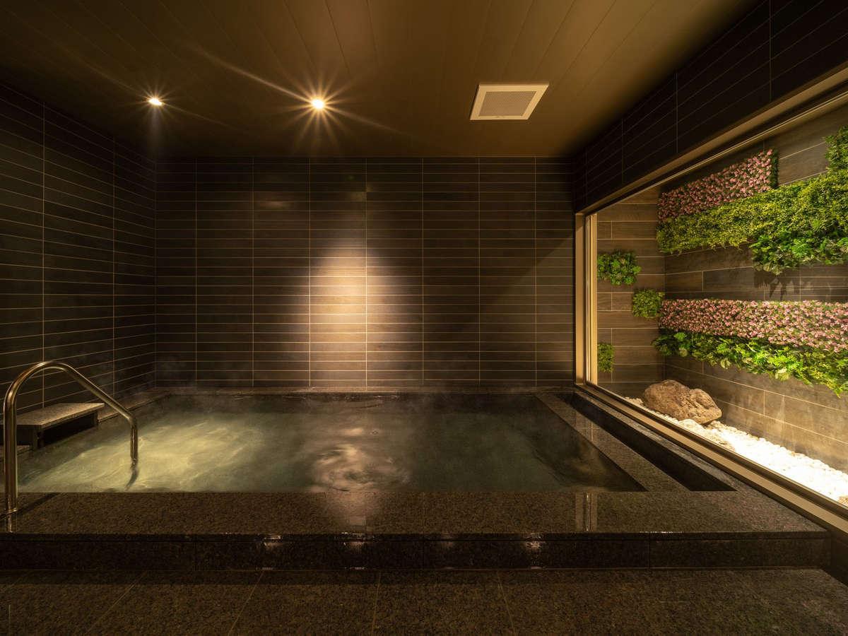 天然温泉ひなたの湯。手足を伸ばしてごゆっくりとお過ごし下さいませ。