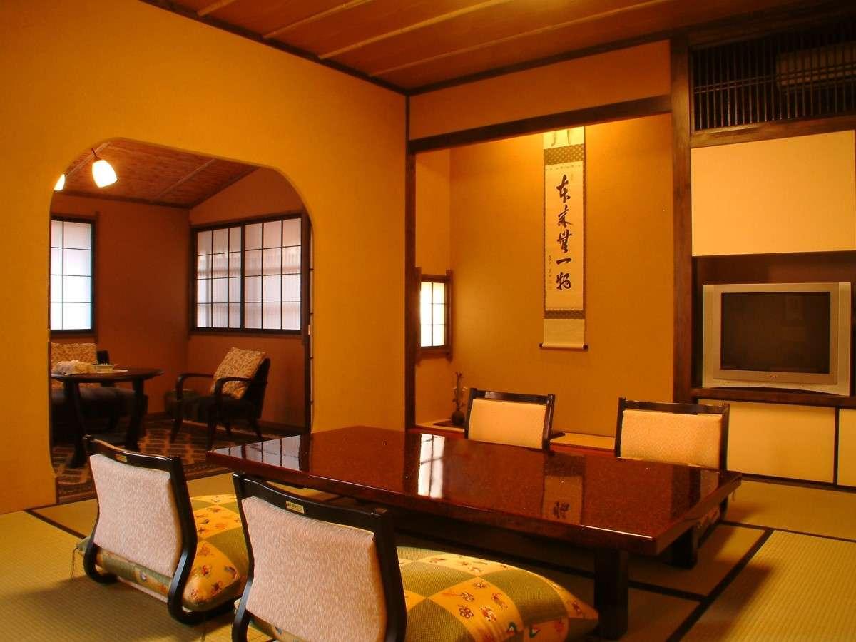 露天風呂付き客室「美山亭」離れのお部屋です。