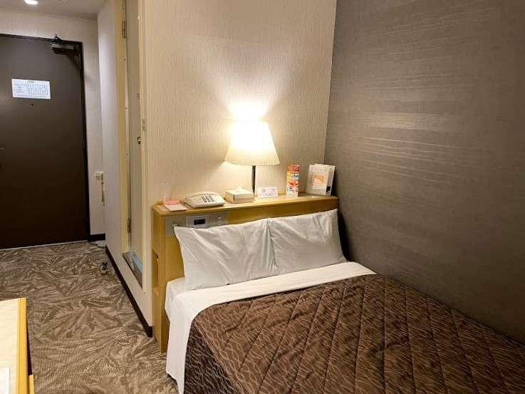 シングル2名様利用。ベッドはセミダブルサイズ(123cm×197cm)。カップルやお友達同士でのご旅行に人気♪