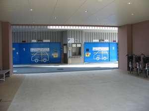 立体駐車場(60台収容)