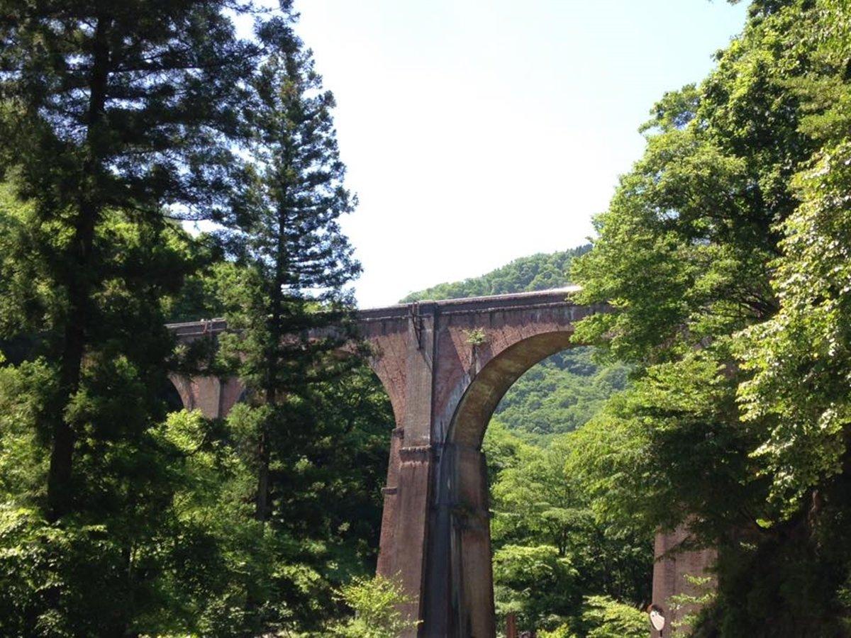 *周辺/横川駅から軽井沢駅の間を結んだ旧碓氷線のめがね橋