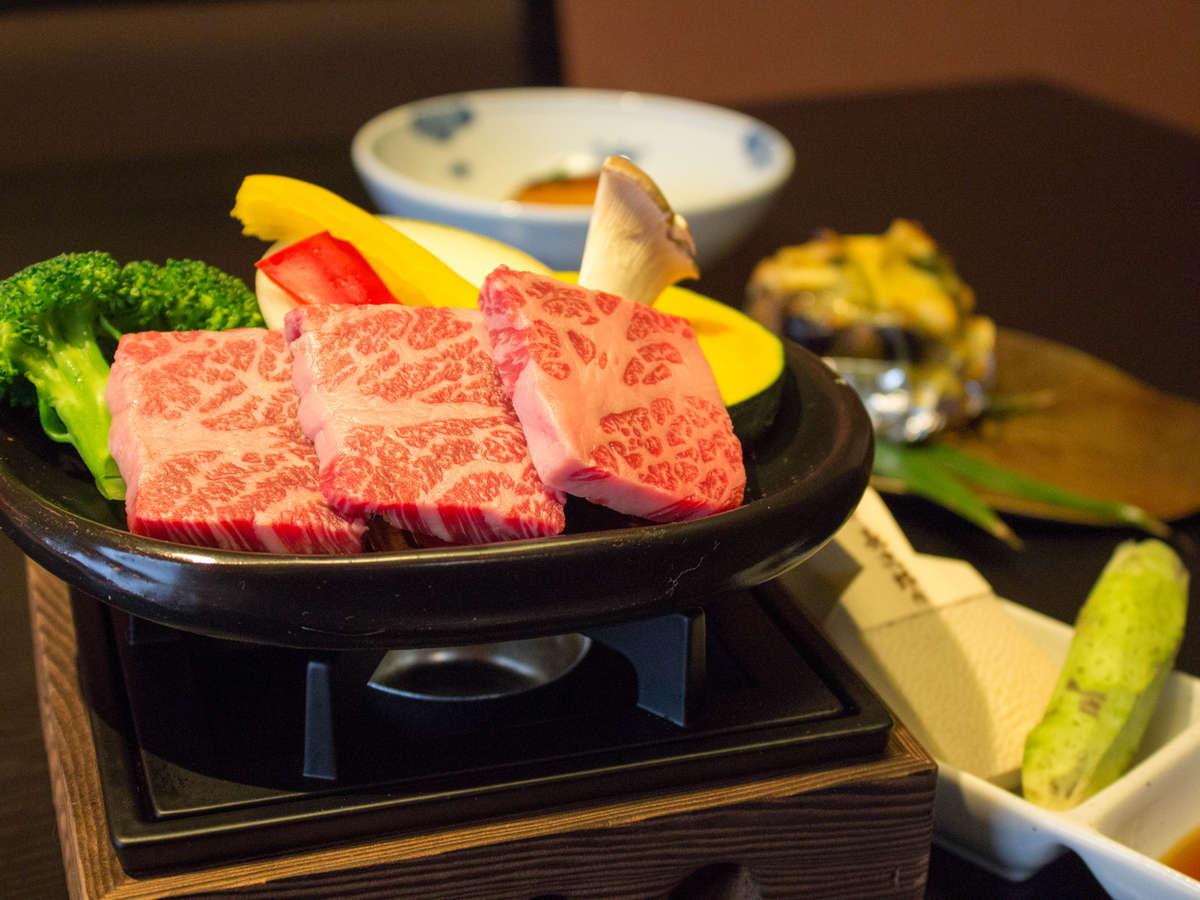 静岡産牛陶板焼き一例