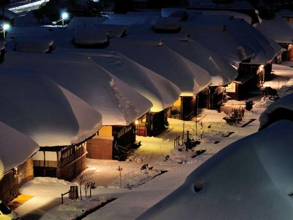 雪の大内宿PHOTOHITO提供