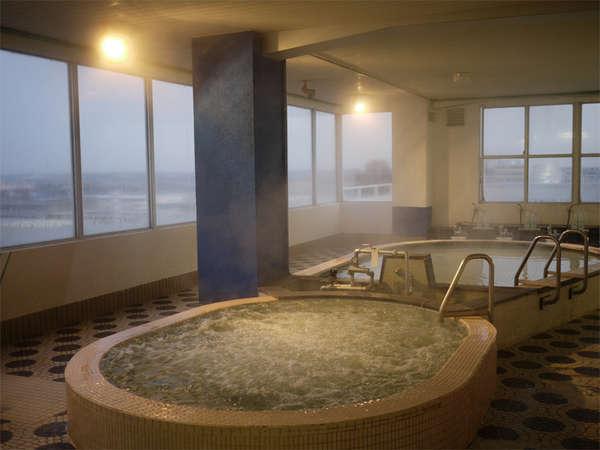 *【展望大浴場(男性専用)】温泉ではありませんが、ジャグジー風呂でのんびり♪