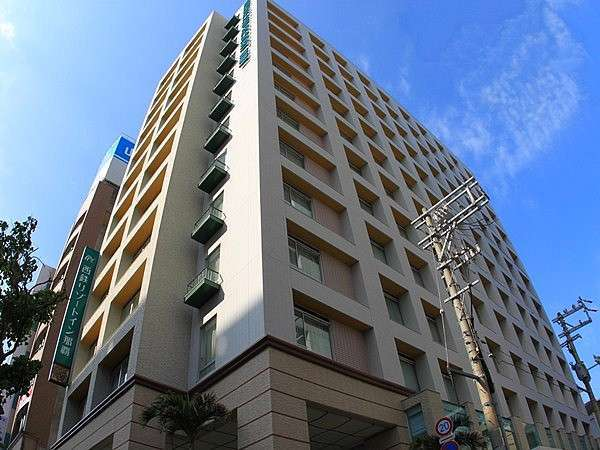 ゆいレール県庁前駅、国際通りに近く、便利なホテル。