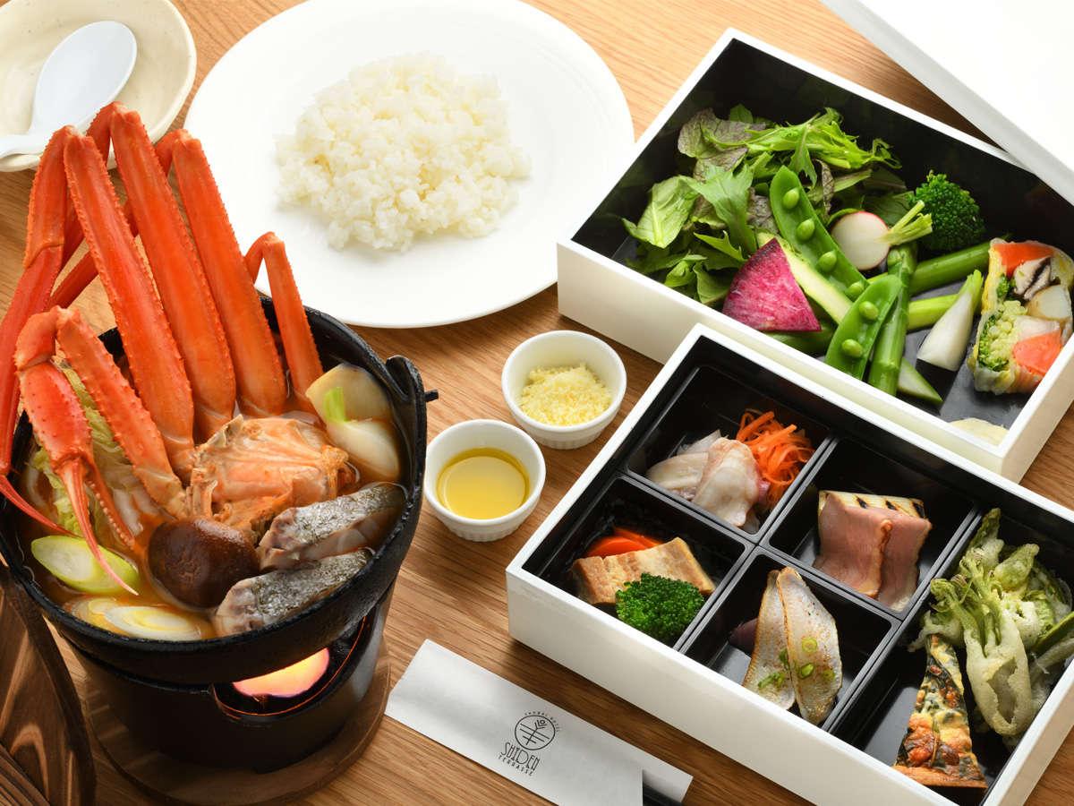 メイン料理蟹を楽しむディナー