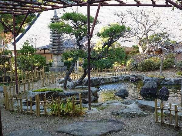 東雲(しののめ)のお部屋からのお庭の風景