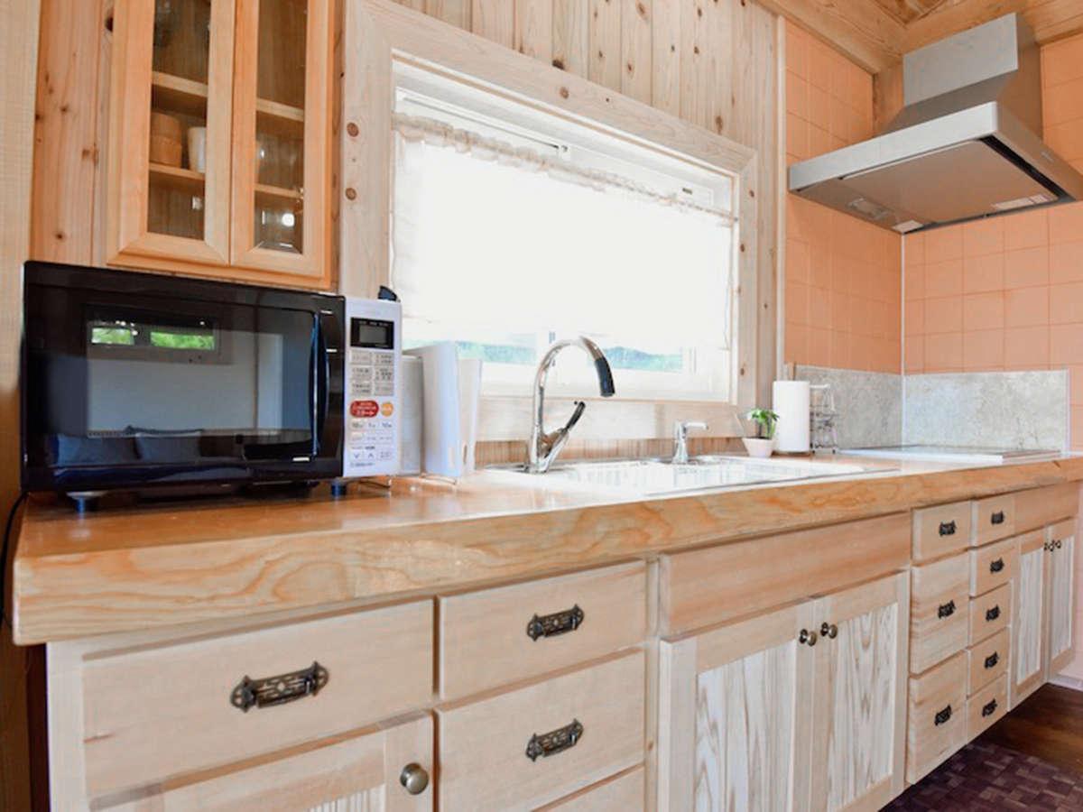 *キッチン/木を使ったオリジナルのキッチンは使い心地抜群!