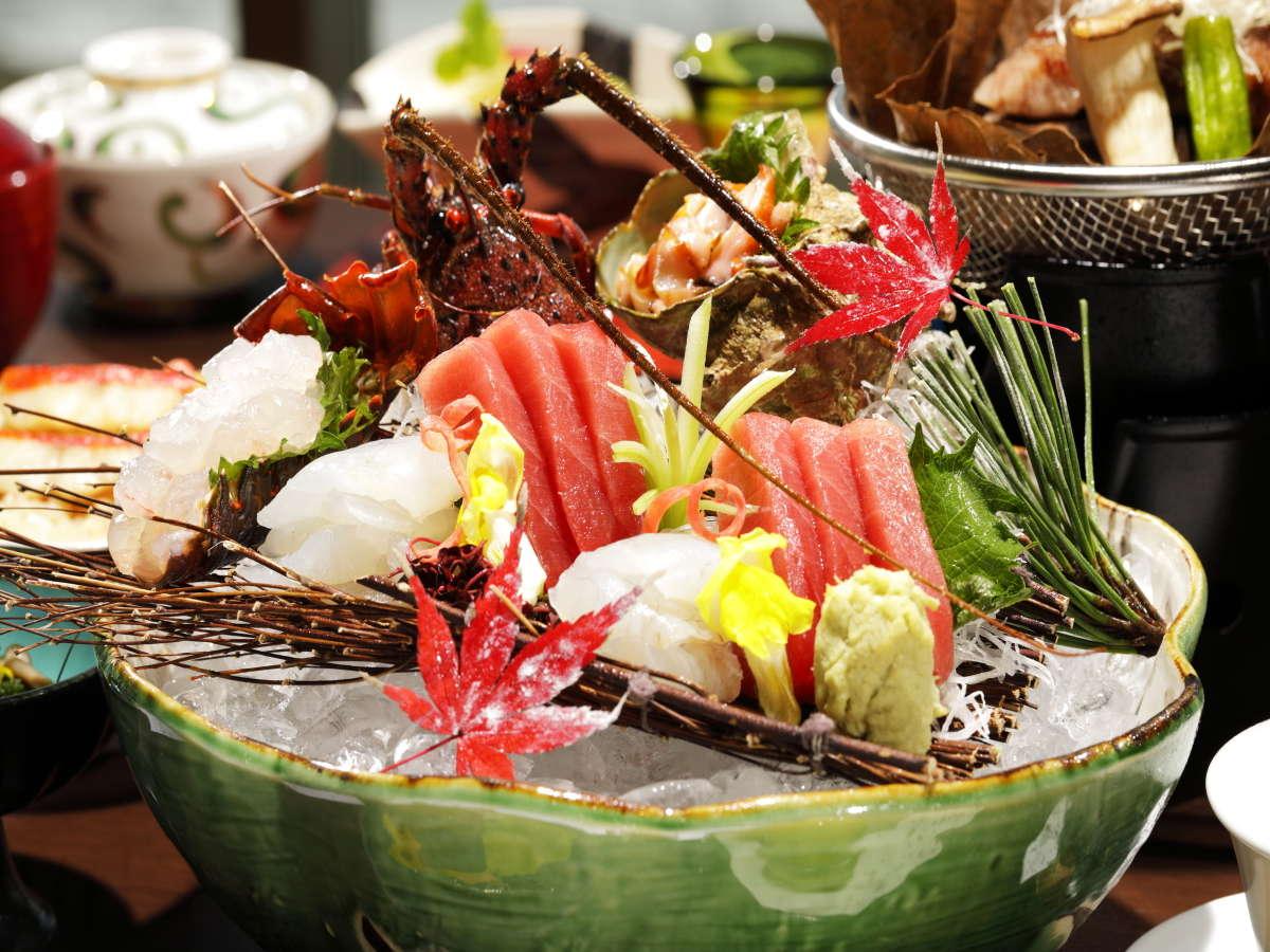 【夕食】房総の自然の恵みが詰まった一皿。活伊勢海老洗いをご堪能ください