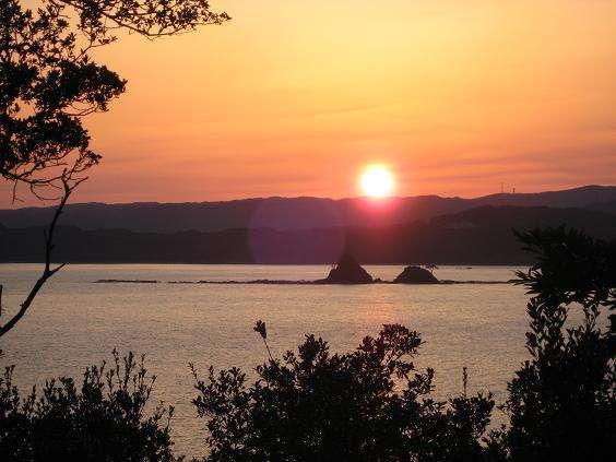 お部屋から見た水島先に沈む夕日