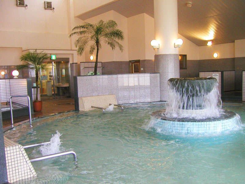 【洋風大浴場】トロっとした良質の湯はお風呂上がりも化粧要らずの『美人湯』