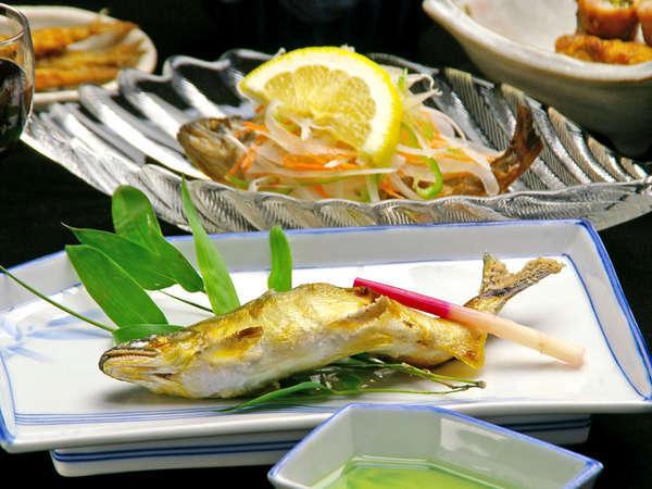 山の幸、川魚など女将が腕をふるう旬の味をご賞味下さい