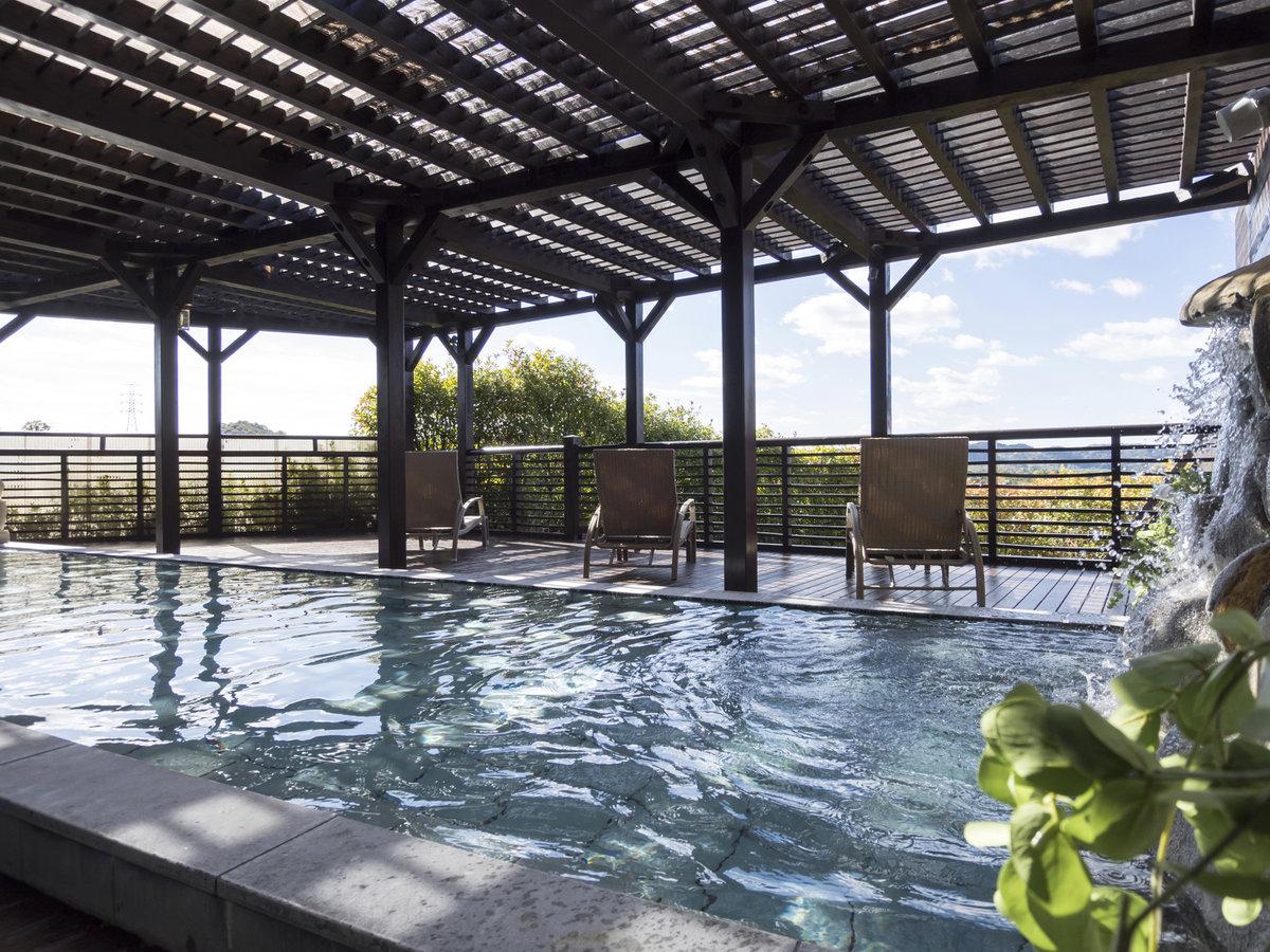 天然温泉の露天風呂♪宿泊者様は無料でご利用いただけます。