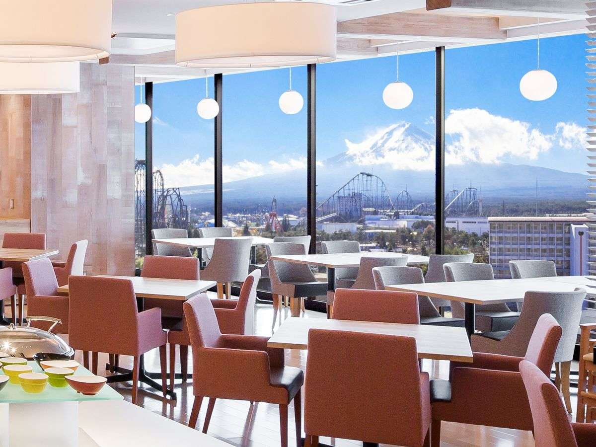 レストラン/シェフズレシピ 富士眺望のライブキッチンもございます