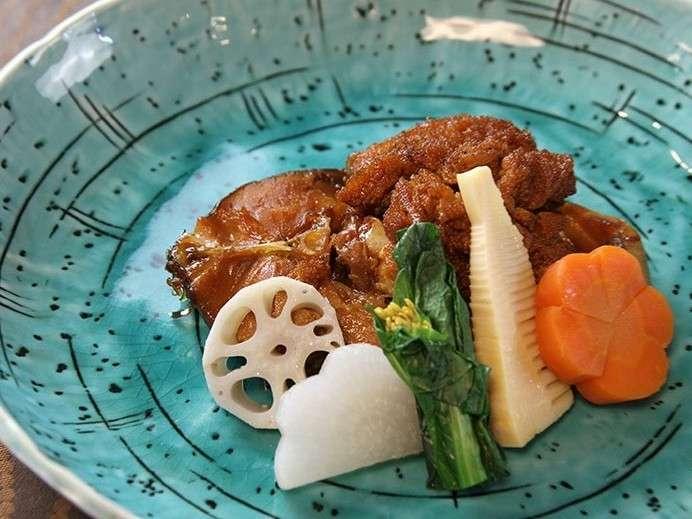鯉の旨煮・季節の地野菜