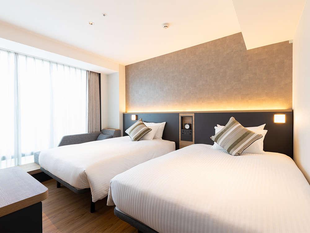 【客室】プレミアムツイン/ソファ・部屋広さ…25㎡・宿泊人数…1~4名・ベッド幅…120cm