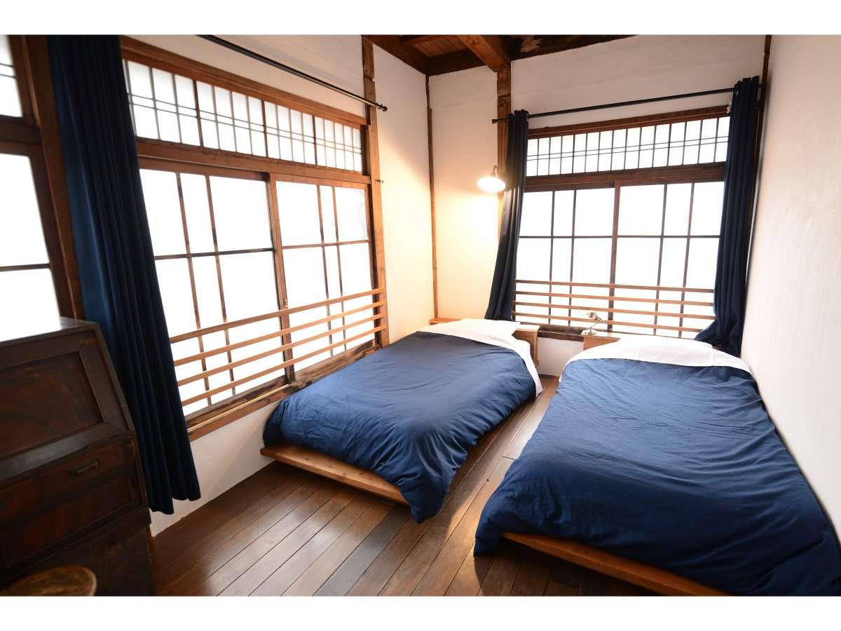 窓が多く、明るいお部屋です。