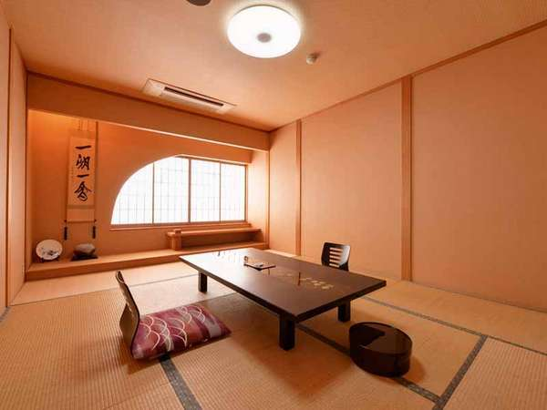 *和室(月)/粋を感じる新和風のお部屋。畳の香りがほのかに薫る客間で寛ぎのひと時を。