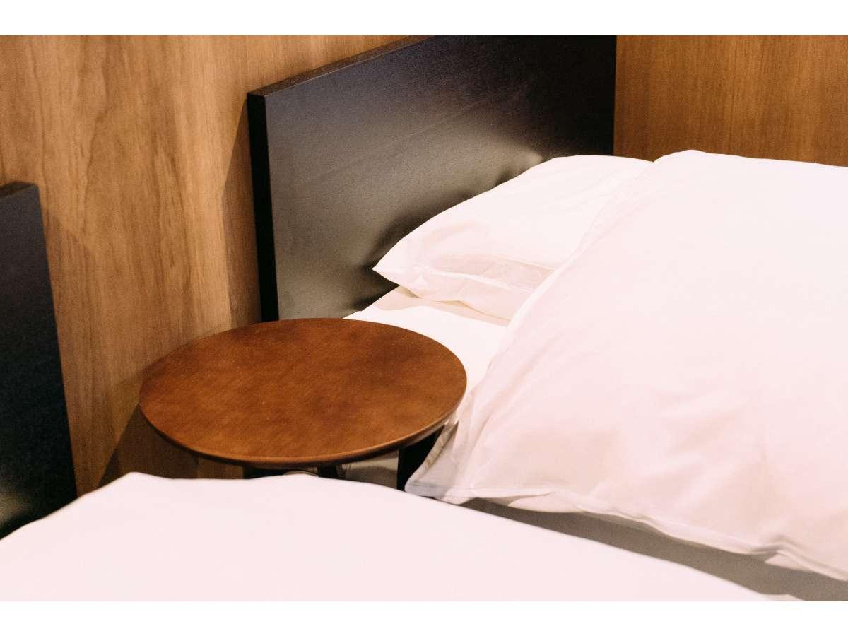寝室は2階になります。ベット2台+布団4