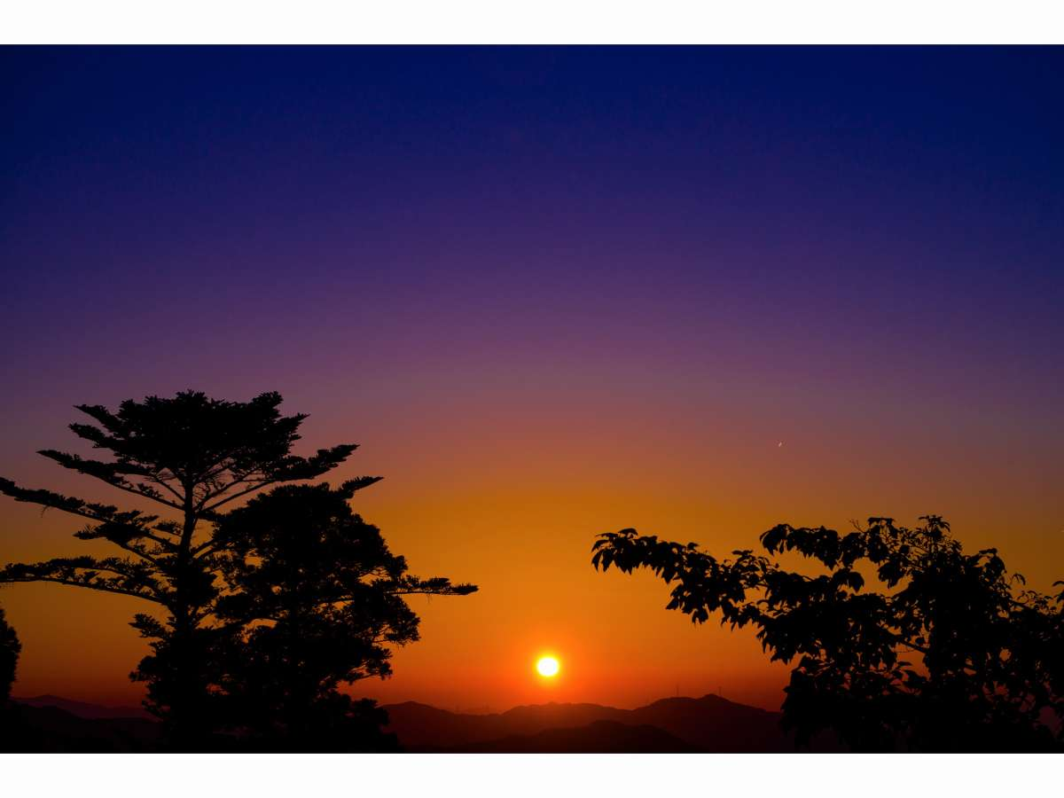 大門より望む夕焼け