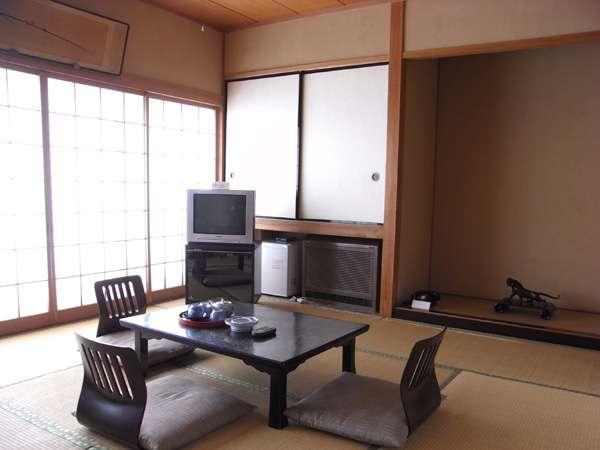 和室は、ふた間続きで18畳。広々とお使いいただけます。