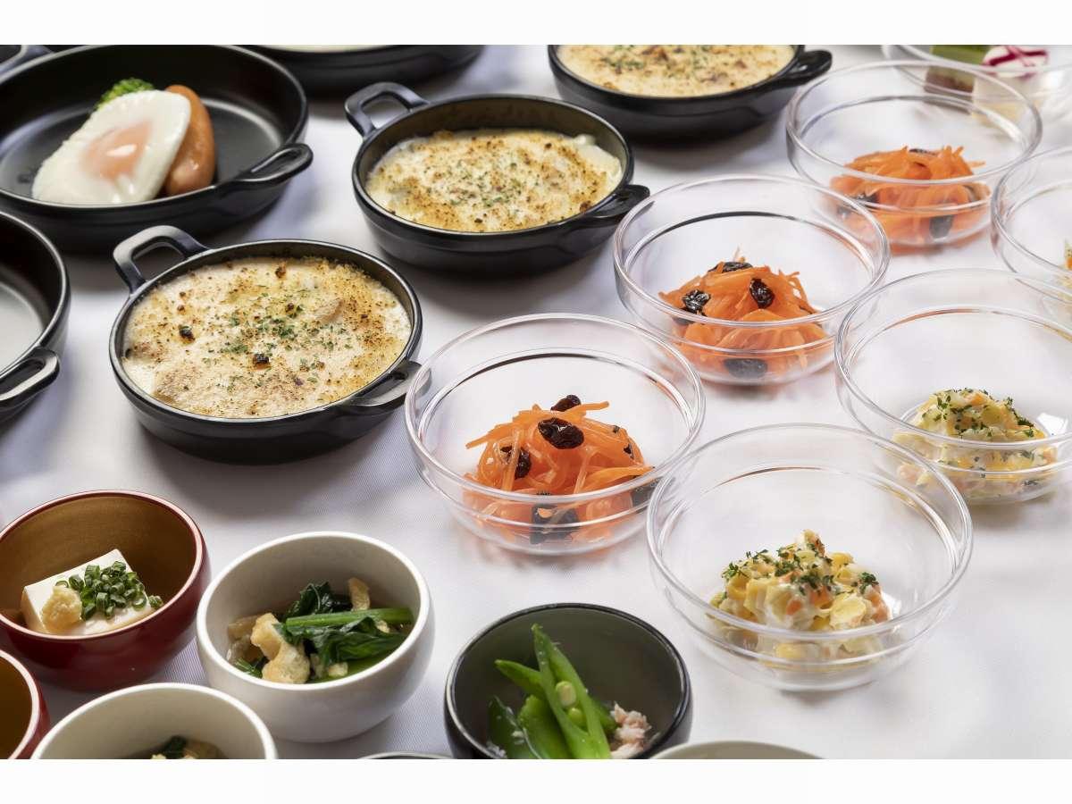 ■約20種類の小鉢横丁(和え物)