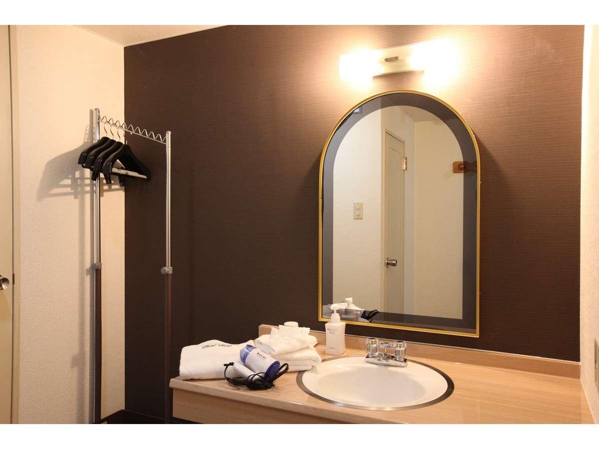 《洗面》掃除が行き届いており、客室も水回りも清潔です※写真とは異なるタイプになることがございます