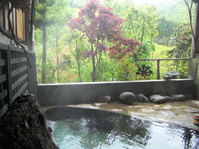 四季折々が楽しめる露天風呂